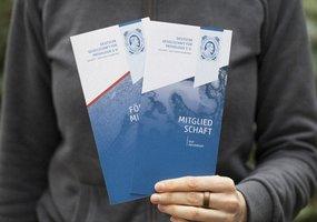 Die Titelseite von zwei Broschüren der Deutschen Gesellschaft für Pathologie