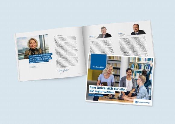 Ein aufgeschlagener Jahresbericht zeigt das Vorwort der Rektorin Professorin Doktor Ada Pellert und daneben den Titel des Jahresberichtes 2018.